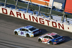 Chase Elliott, Hendrick Motorsports Chevrolet, Ryan Blaney, Wood Brothers Racing Ford