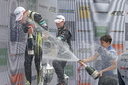 Podium: Race winner Lando Norris, Carlin Dallara F317 - Volkswagen, third place Joey Mawson, Van Amersfoort Racing, Dallara F317 - Mercedes-Benz