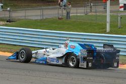 Tony Kanaan, Chip Ganassi Racing Honda avec une crevaison