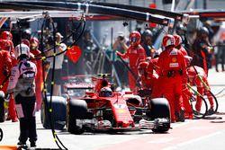 Kimi Raikkonen, Ferrari SF70H, after a pitstop