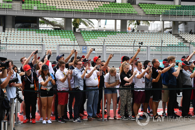 F1 in Schools students in pit lane