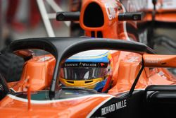 Фернандо Алонсо, McLaren MCL32 с системой Halo