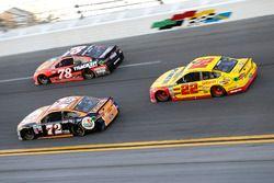 Cole Whitt, TriStar Motorsports Ford; Martin Truex Jr., Furniture Row Racing Toyota, Joey Logano, Te