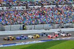 Брендан Гоэн, Richard Childress Racing Chevrolet и Эллиот Сэдлер, JR Motorsports Chevrolet