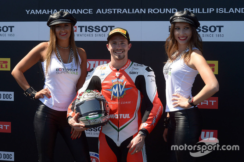 Ganador de la pole P.J. Jacobsen, MV Agusta con chicas Tissot