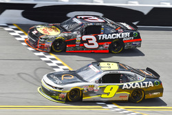 William Byron, JR Motorsports Chevrolet and Ty Dillon, Richard Childress Racing Chevrolet