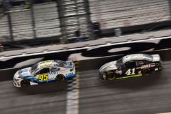 Michael McDowell, Leavine Family Racing Chevrolet, Kurt Busch, Stewart-Haas Racing Ford