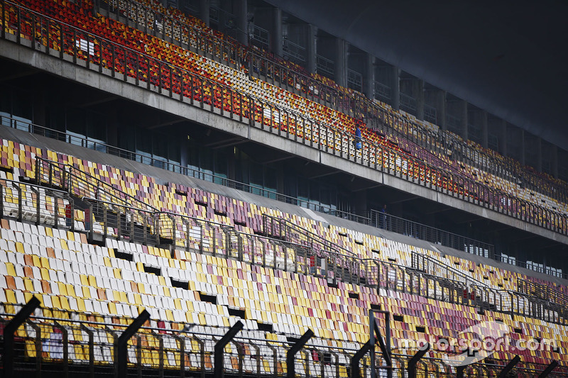 Haupttribüne am Shanghai International Circuit