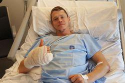 تيتو راباط فى مستشفى في برشلونة