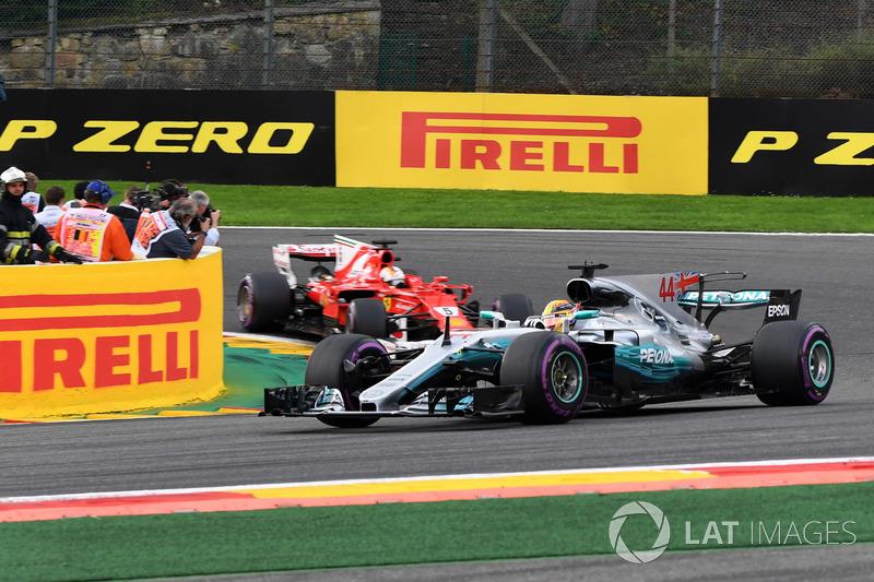 Lewis Hamilton, Mercedes-Benz F1 W08 al comando alla partenza della gara