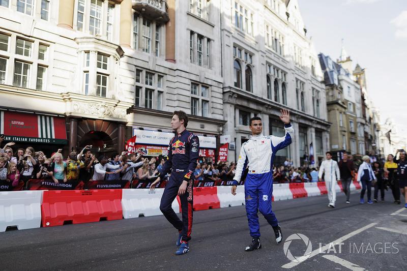 Данііл Квят (Toro Rosso) та Паскаль Верляйн (Sauber)