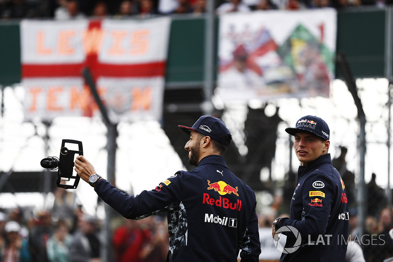 Daniel Ricciardo, Red Bull Racing, Max Verstappen, Red Bull Racing, film fans