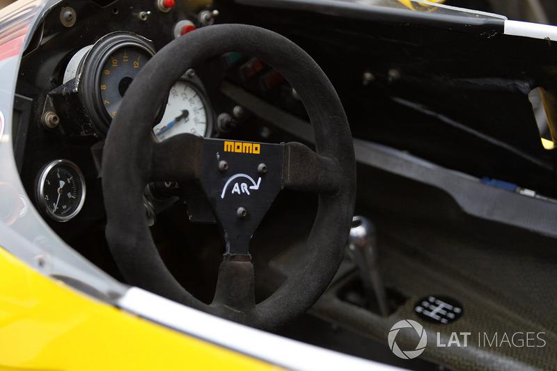Руль Renault RE40