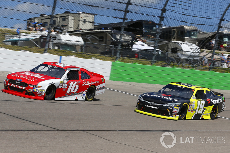 Ryan Reed, Roush Fenway Racing Ford y Matt Tifft, Joe Gibbs Racing Toyota