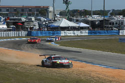 #912 Porsche Team North America Porsche 911 RSR: Kevin Estre, Laurens Vanthoor, Richard Lietz run out
