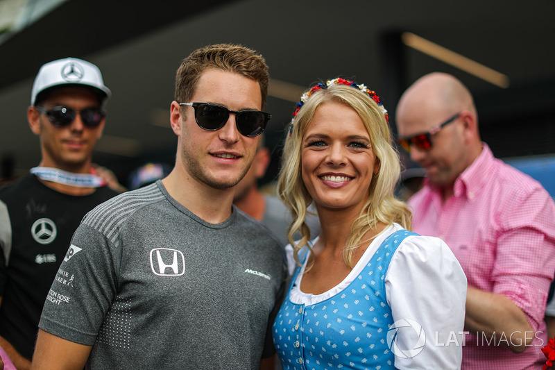 Stoffel Vandoorne, McLaren, girl