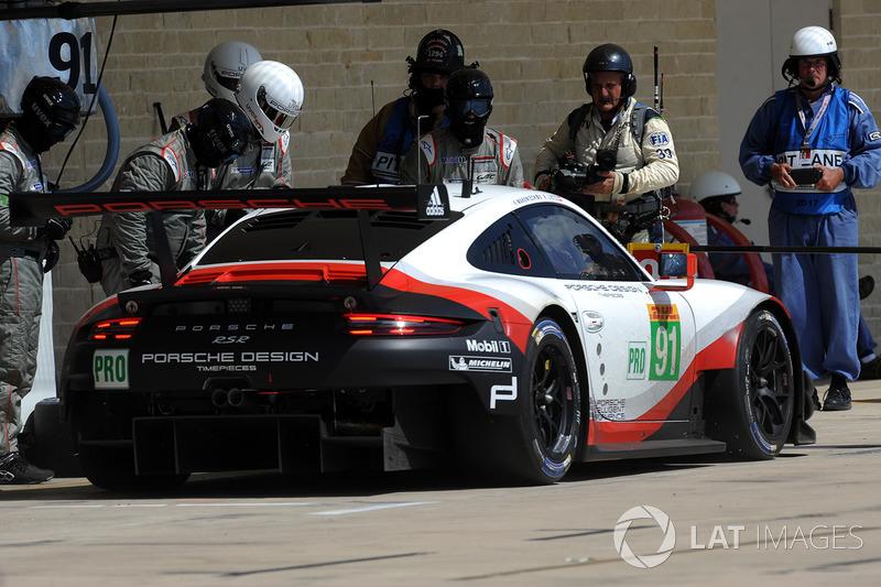 Pitstop #91 Porsche Team Porsche 911 RSR: Richard Lietz, Frédéric Makowiecki