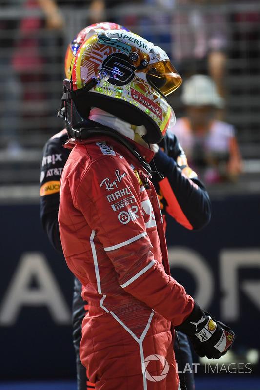 Il poleman Sebastian Vettel, Ferrari nel parco chiuso