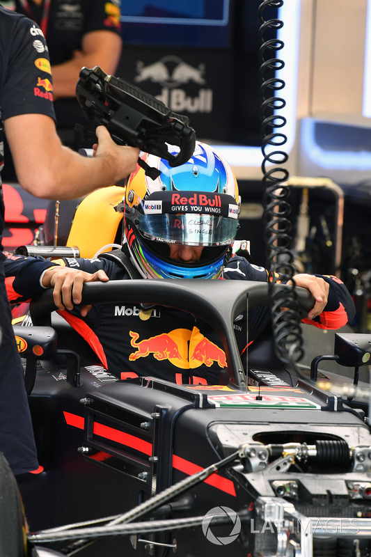 Daniel Ricciardo, Red Bull Racing RB13 and halo