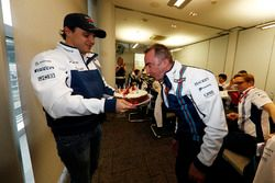 Paddy Lowe, Williams Formula 1, blows out his birthday candles on a cake presented by Felipe Massa, Williams, and the Williams team