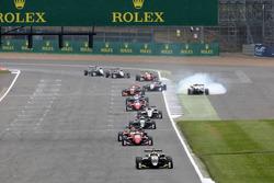 Lando Norris, Carlin, Dallara F317 - Volkswagen; Dreher von Nikita Mazepin, Hitech Grand Prix, Dalla