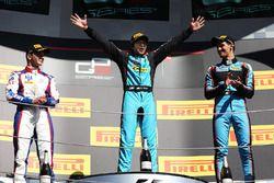 Podium: race winner Race winner Arjun Maini, Jenzer Motorsport, second place Dorian Boccolacci, Trid