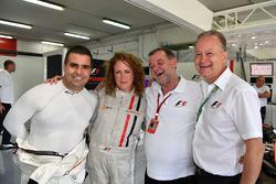 Zsolt Baumgartner, experiencia F1 Coche de 2 plazas Belinda Whiteside y Paul Stoddart (AUS)