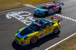 #40 On Track Motorsport Porsche 997: Garry Mennell, Kean Booker