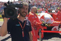 Iker Viana, cámara de televisión de Movistar + F1