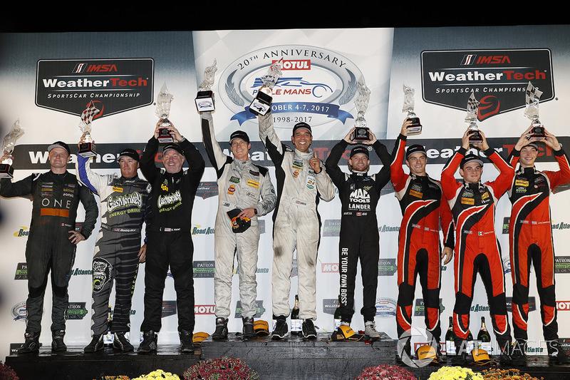 Podio PC: i vincitori Garett Grist, Tomy Drissi, John Falb, BAR1 Motorsports, al secondo posto Don Yount, Buddy Rice, Daniel Burkett, BAR1 Motorsports, al terzo posto James French, Patricio O'Ward, Kyle Masson, Performance Tech Motorsports