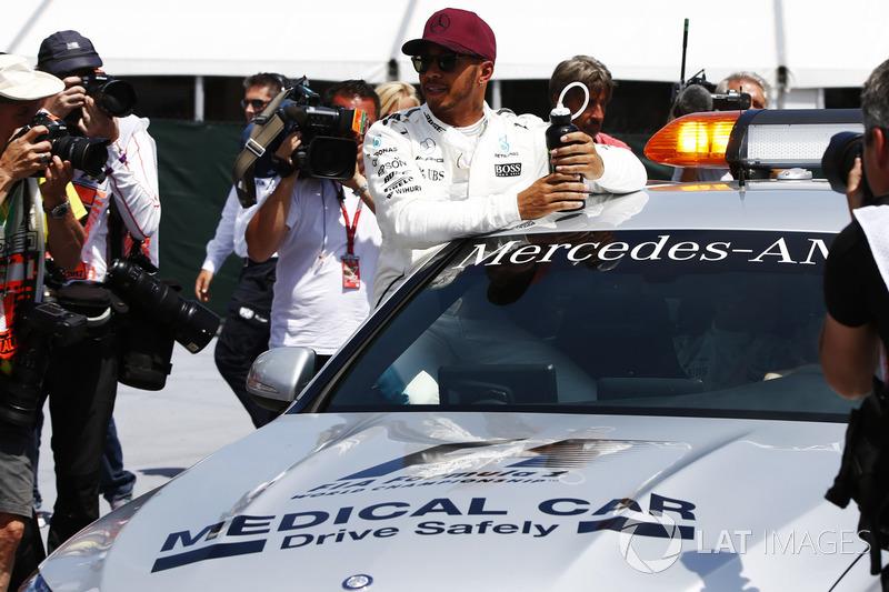 Обладатель поул-позиции Льюис Хэмилтон, Mercedes AMG F1