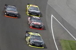 Мэтт Тиффт, Joe Gibbs Racing Toyota и Кайл Буш, Joe Gibbs Racing Toyota