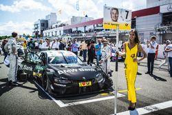 La Grid Girl de Bruno Spengler, BMW Team RBM, BMW M4 DTM
