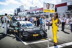 Gridgirl für Bruno Spengler, BMW Team RBM, BMW M4 DTM