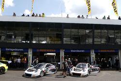 #18 KÜS TEAM75 Bernhard, Porsche 911 GT3 R: Adrien de Leener, Christopher Friedrich, #17 KÜS TEAM75 Bernhard, Porsche 911 GT3 R: Mathieu Jaminet, Michael Ammermüller