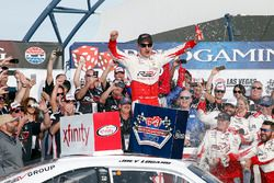 Joey Logano, Team Penske Ford celebrates in Victory Lane