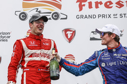 Podium: race winner Sébastien Bourdais, Dale Coyne Racing Honda, third place Scott Dixon, Chip Ganassi Racing Honda, champagne