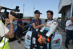 Davide Di Benedetto, Scuderia Costa Ovest viene intervistato dopo la vittoria in Gara 3