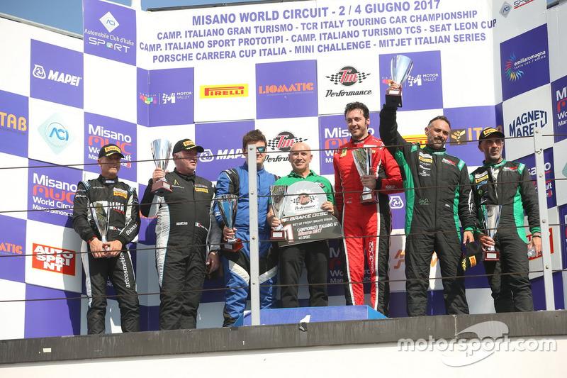 Podio GT3 gara 2, Benucci-Niboli (MP1 Corse,ferrari 458 GT3 #74), Venerosi-Baccani (Ebimotors,Porsch
