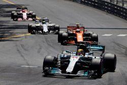 Lewis Hamilton, Mercedes AMG F1 W08, Stoffel Vandoorne, McLaren MCL32, Felipe Massa, Williams FW40