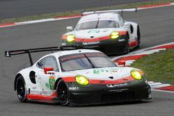№91 Porsche Team Porsche 911 RSR: Рихард Лиц, Фредерик Маковецки