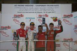 Podio Gara 2: il vincitore Juri Vips, Prema Powerteam; il secondo classificato Marcus Armstrong, Prema Powerteam; il terzo classificato Artem Petrov, DR Formula