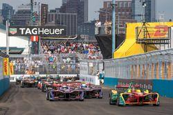 Start: Daniel Abt, ABT Schaeffler Audi Sport leads