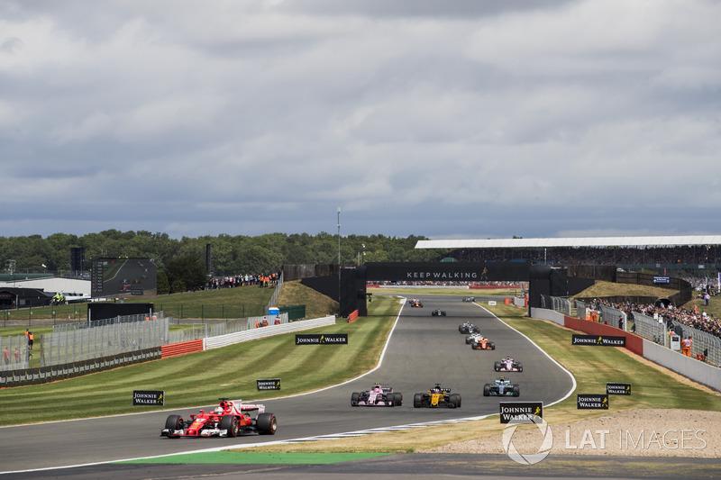 Себастьян Феттель, Ferrari SF70H, Естебн Окон, Sahara Force India F1 VJM10, Ніок Хюлькенберг, Renault Sport F1 Team RS17