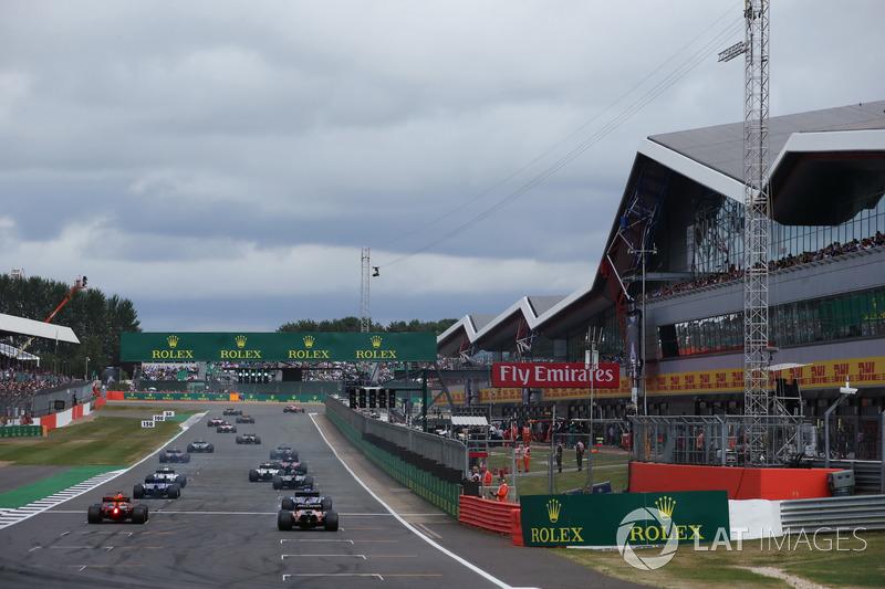 Даніель Ріккардо, Red Bull Racing RB13, Стоффель Вандорн, McLaren MCL32