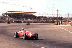 Фил Хилл, Ferrari Dino 246