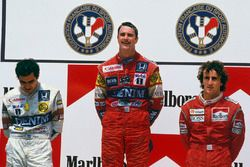 Podium: winner Nigel Mansell, Williams Honda, second place Nelson Piquet, Williams Honda, third place Alain Prost, McLaren TAG Porsche