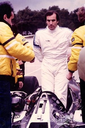 Джорджо Пиола тестирует Renault RE30B на трассе Поль-Рикар, 1982 год