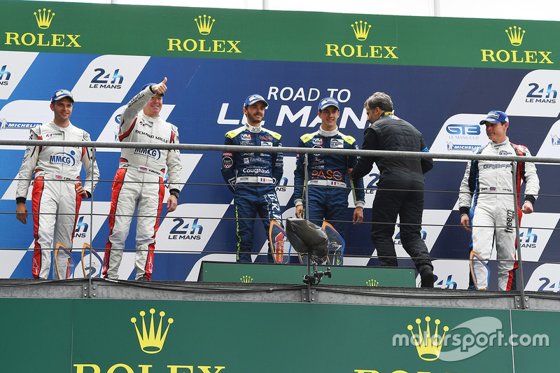 Podyum LMP3: 1. Thomas Laurent, Alexandre Cougnaud, DC Racing, 2. Martin Brundle, Christian England,