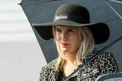 Chica del Paddock Argentina Sky Corp